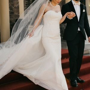 Dresses & Skirts - Wedding dress with overskirt